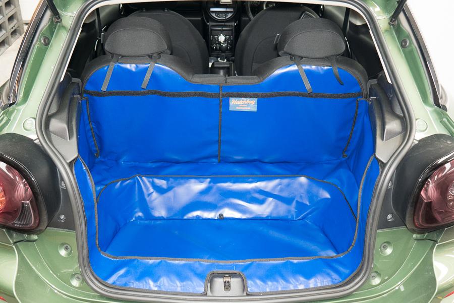 Hatchbag Kofferraumschutz im Auto
